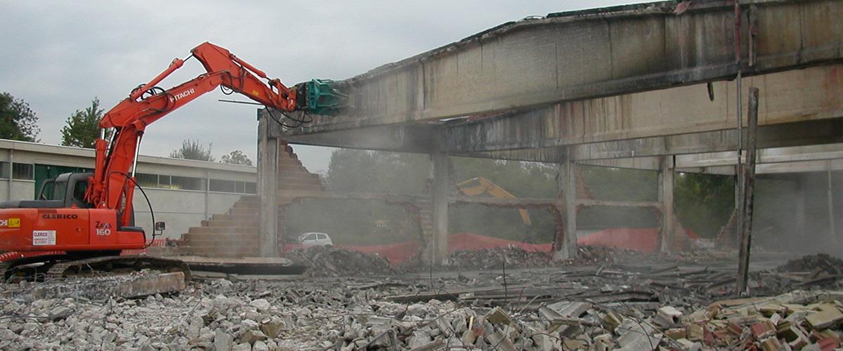 Demolizione strutture edili